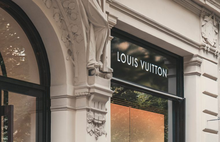 Louis Vuitton Storefront