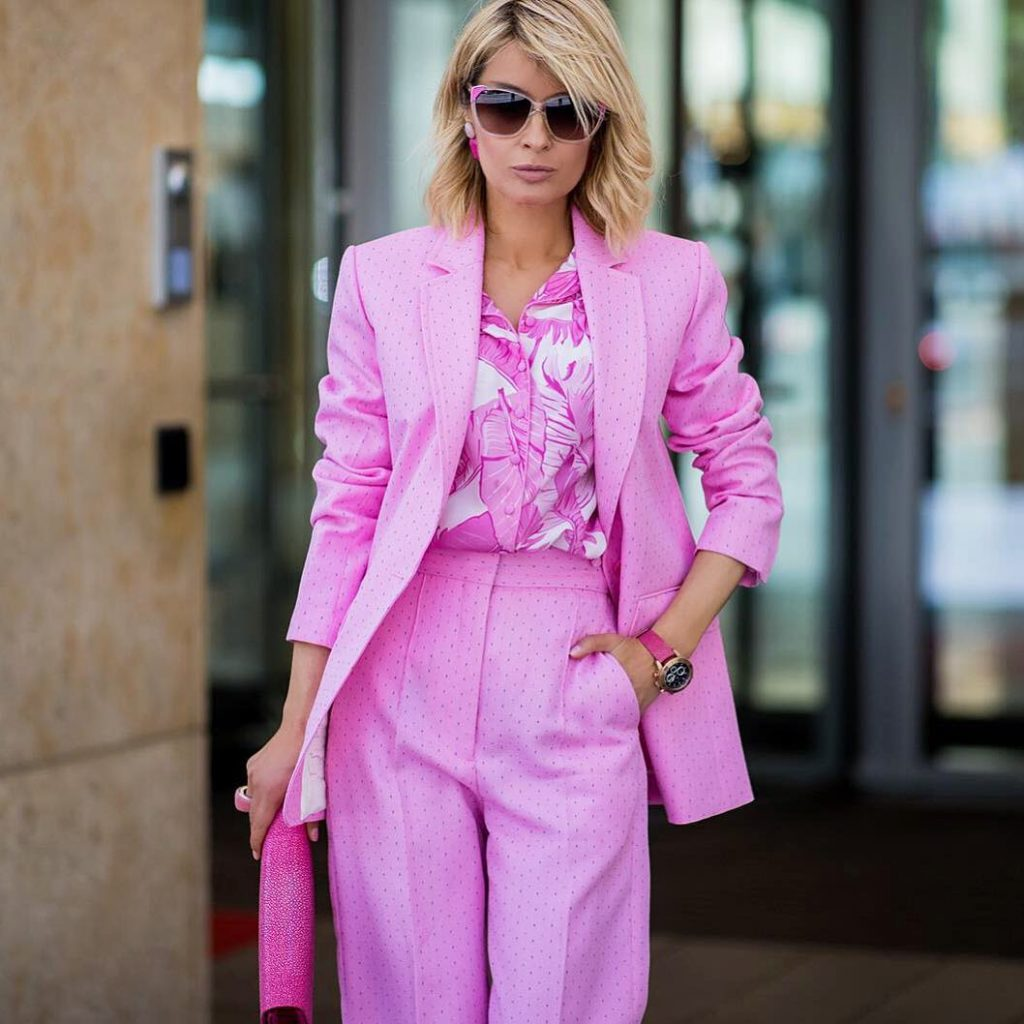wear-pink-oversized-blazer