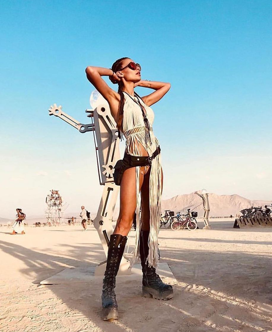 women-best-outfits-burning-man-2019