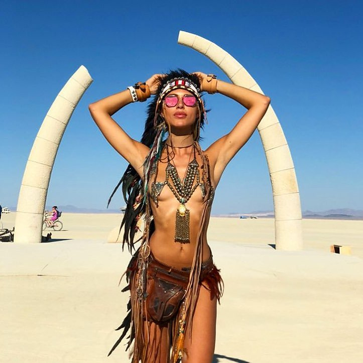 sexy-jewelry-burning-man-2019-outfit