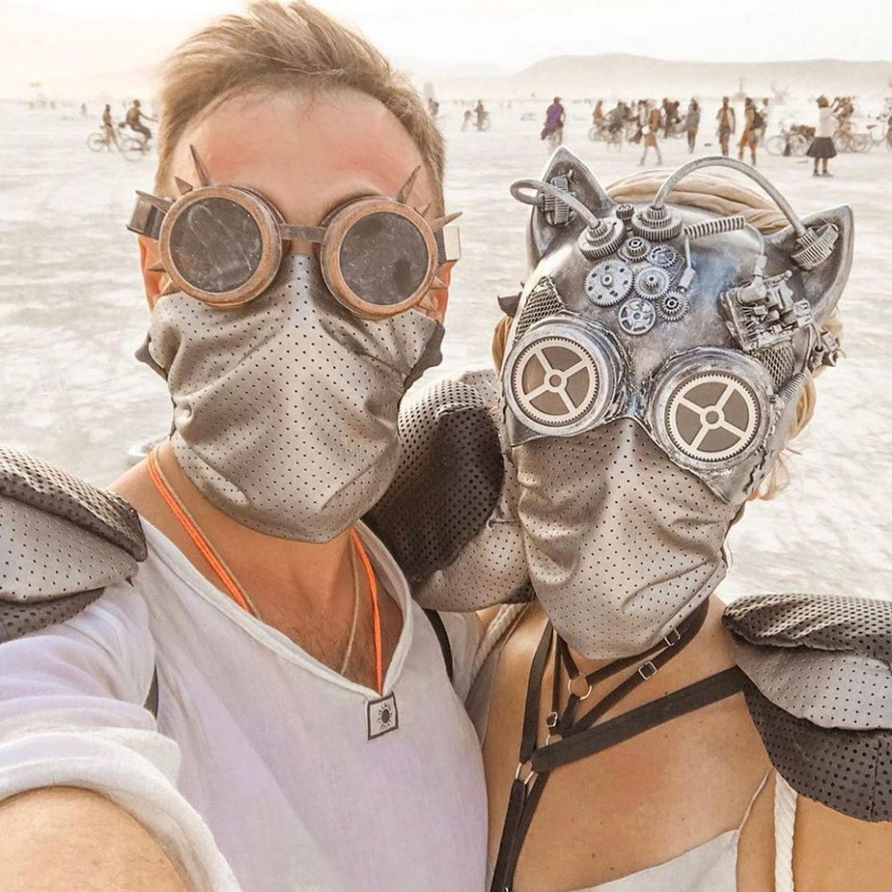 best-couple-outfits-of-burning-man-2019-festival
