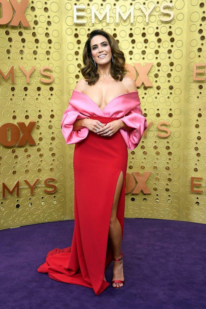 emmy-awards-best-celebrity-red-carpet-looks-Mandy-Moore