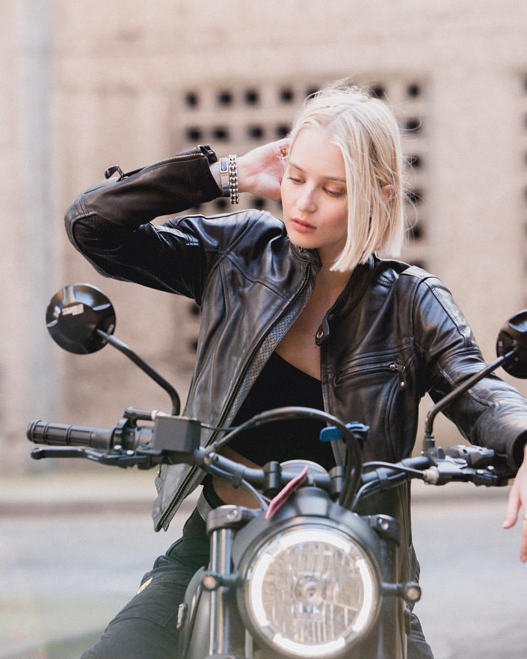 biker-leather-jacket-black-women-2