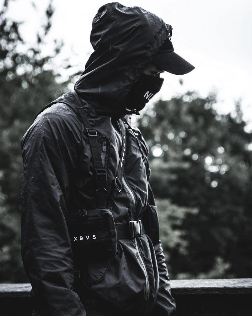 techwear-outfit-idea-for-men-black-military-vest
