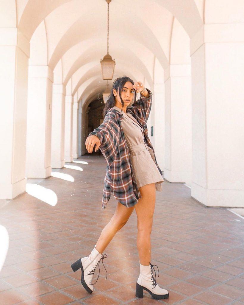 Flannel-trend-nazyfarnoosh-wearing-a-flannel-shirt