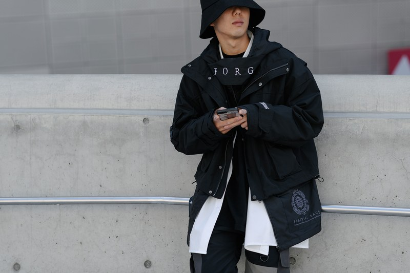 Techwear-outfit-seoul-fashion-week