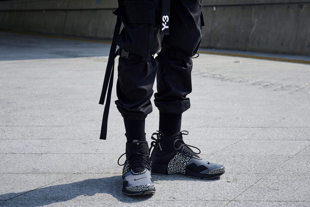 Techwear-pants-seen-at-seoul-fashion-week