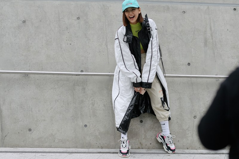 Woman-techwear-outfit-seoul-fashion-week-1