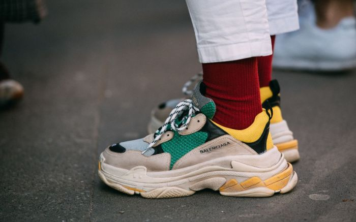 Balenciaga-sneakers-track-triples-on-foot-14