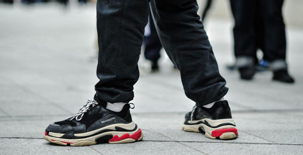 Balenciaga-sneakers-track-triples-on-foot-13