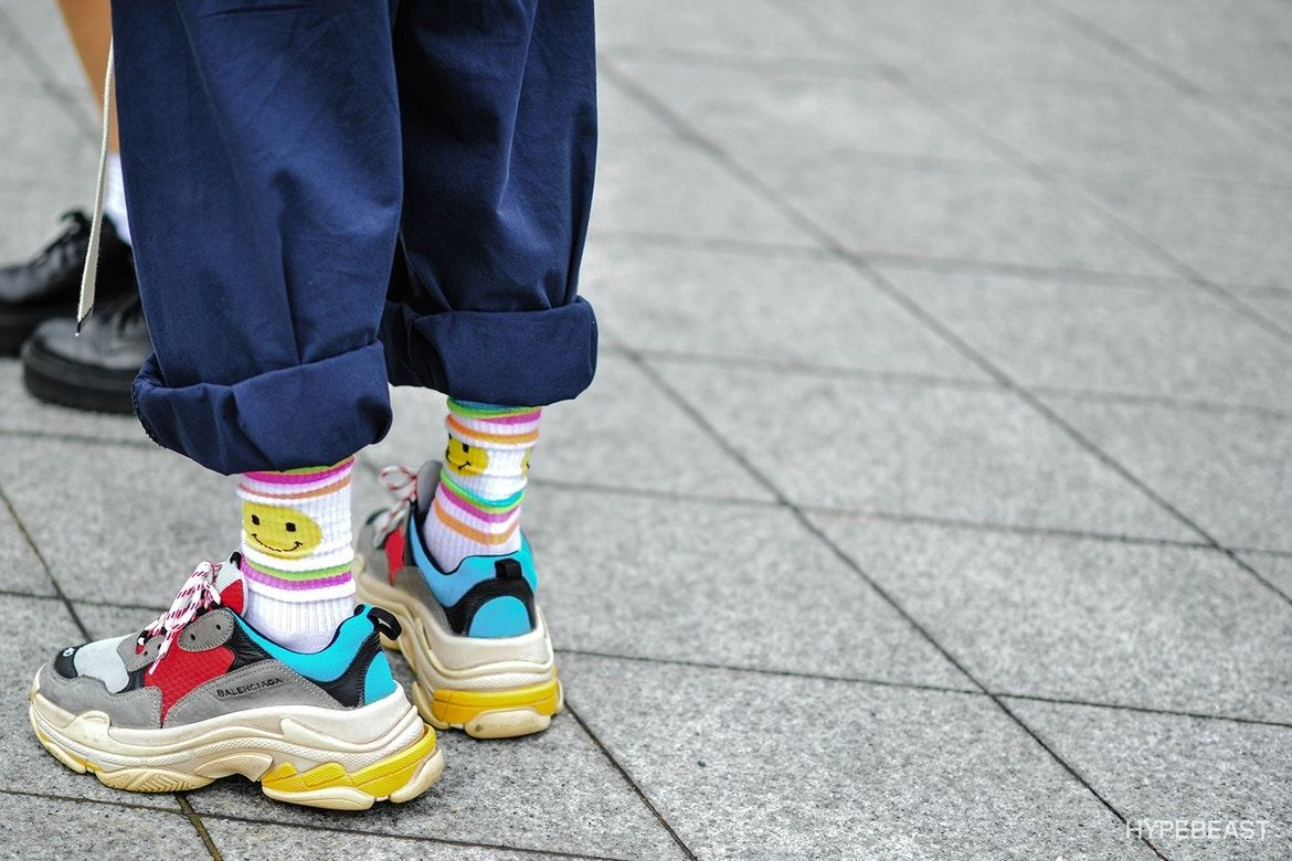 Balenciaga-sneakers-track-triples-on-foot-11