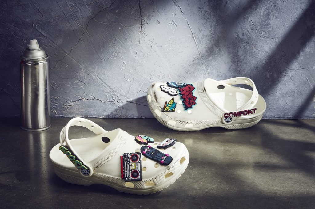 ruby-rose-crocs-classic-clog-details-3
