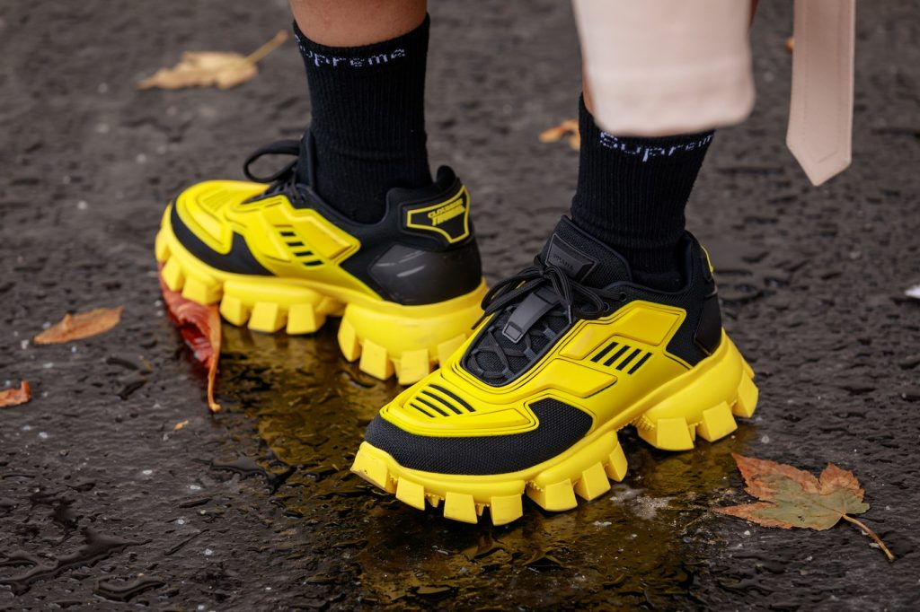 paris-fashion-week-street-style-looks-ss20-sneakers-prada