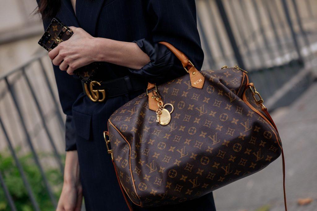paris-fashion-week-street-style-looks-ss20-bags-louis-vuitton