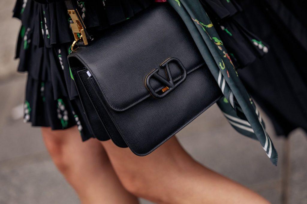 paris-fashion-week-street-style-looks-ss20-bags-LV