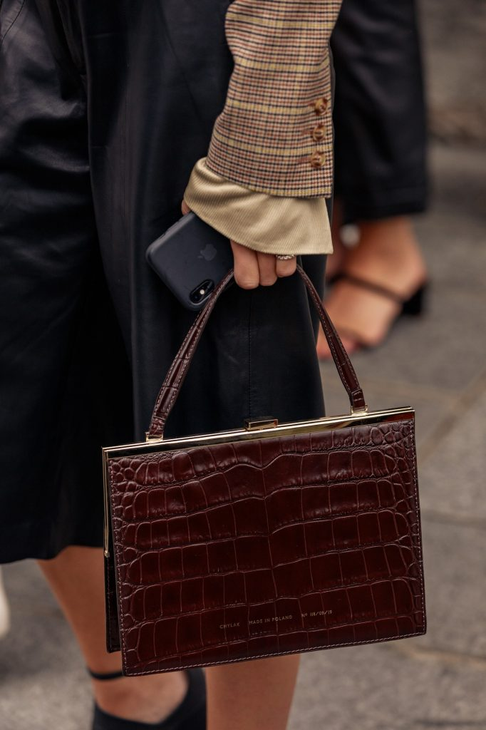 paris-fashion-week-street-style-looks-ss20-bags-2