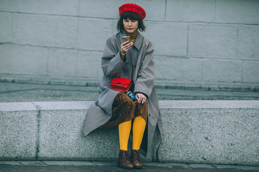 Moscow-russia-fashion-week-ss20-street-style-mercedes-benz-16