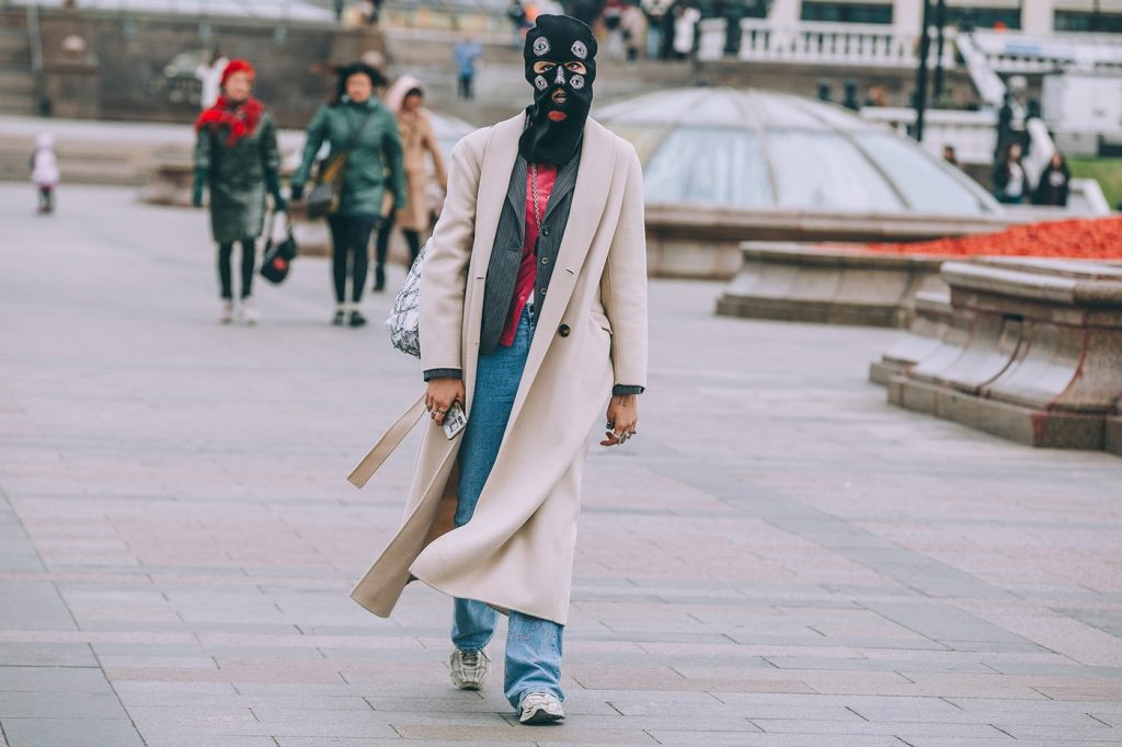 Moscow-russia-fashion-week-ss20-street-style-mercedes-benz-8