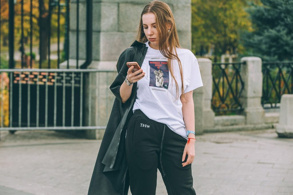 Moscow-russia-fashion-week-ss20-street-style-mercedes-benz-3