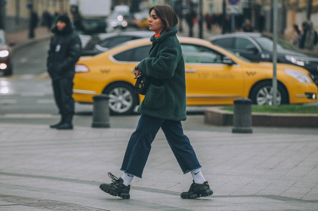 Moscow-russia-fashion-week-ss20-street-style-mercedes-benz-29