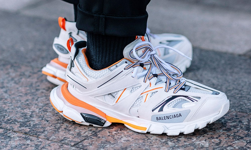 Balenciaga-sneakers-track-triples-on-foot-7