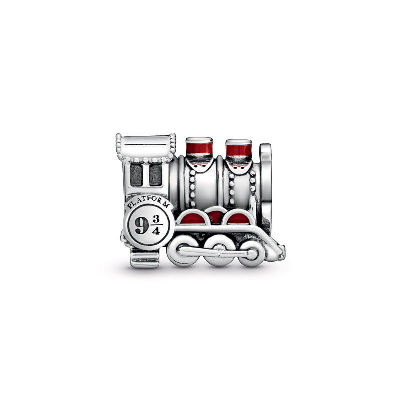 Harry-Potter-x-Pandora-collection-hogward-2