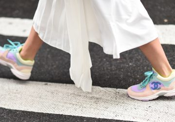 chunky-sneakers-with-dresses