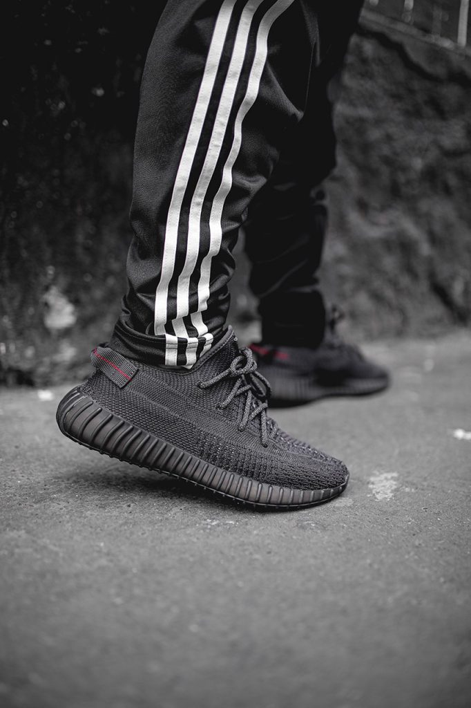 yeezy-boost-350-v2-black-on-feet