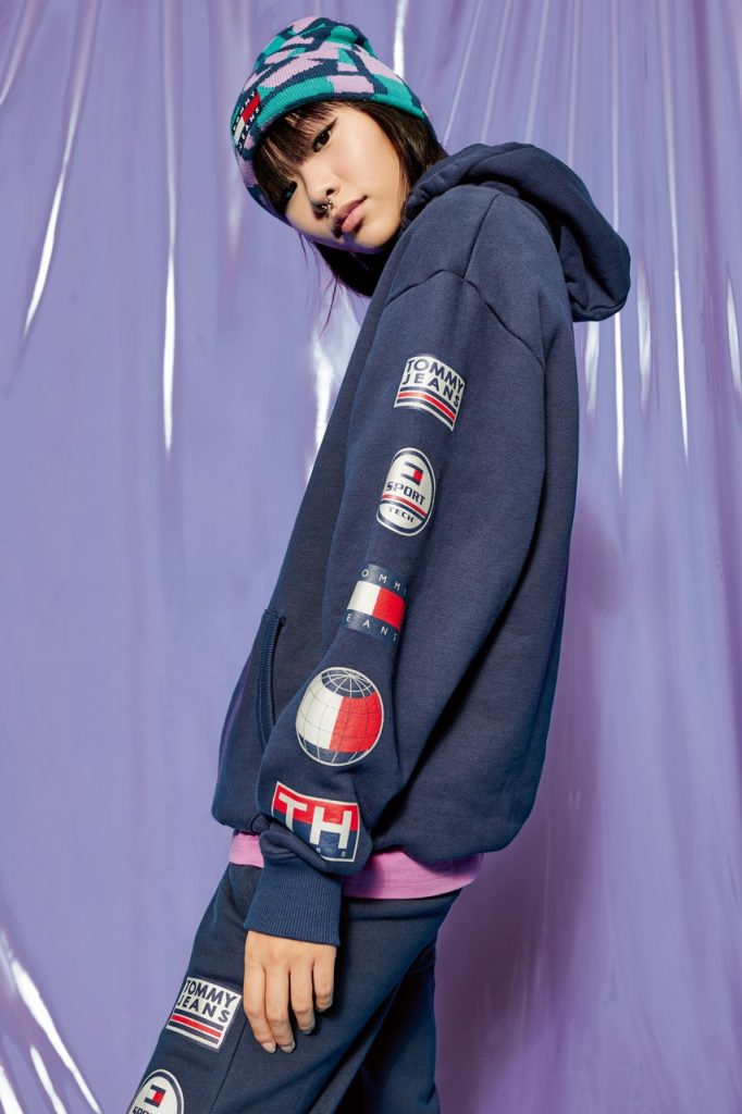 women-hoodie-tommy-hilfiger-tommy-jeans-sport-tech-denim-capsule-collection