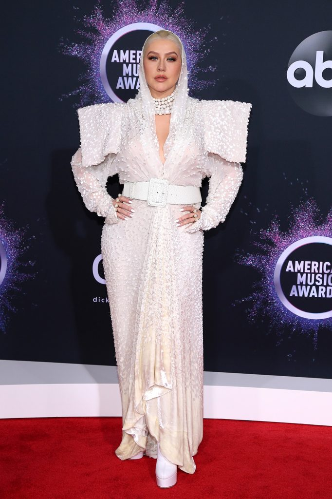 2019-AMA-christina-aguilera-red-carpet-outfit
