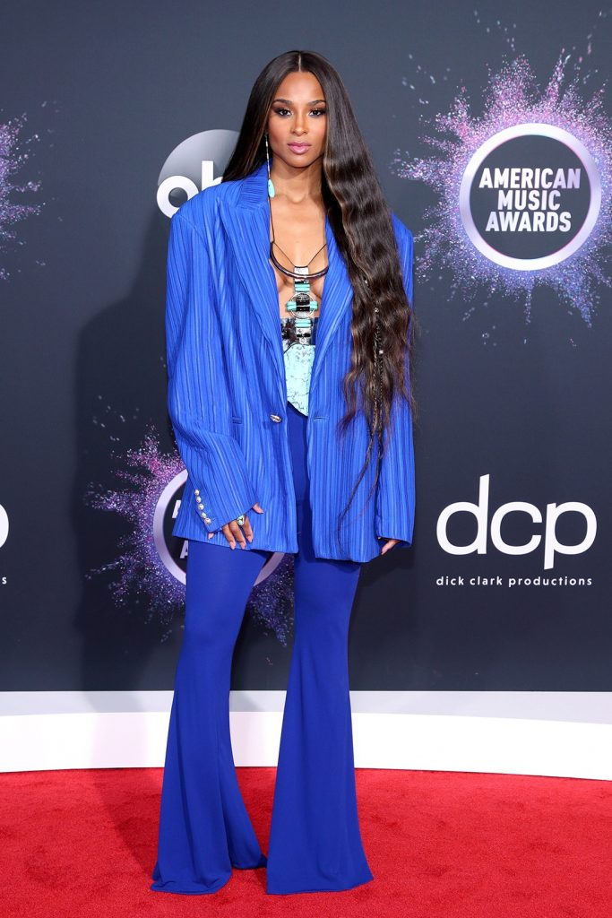 2019-AMA-ciara-2019-AMA-halsey-red-carpet-look