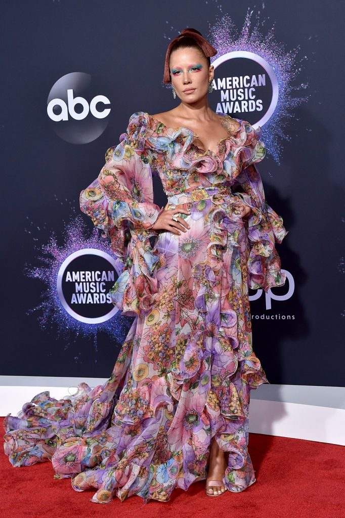 2019-AMA-halsey-red-carpet-style
