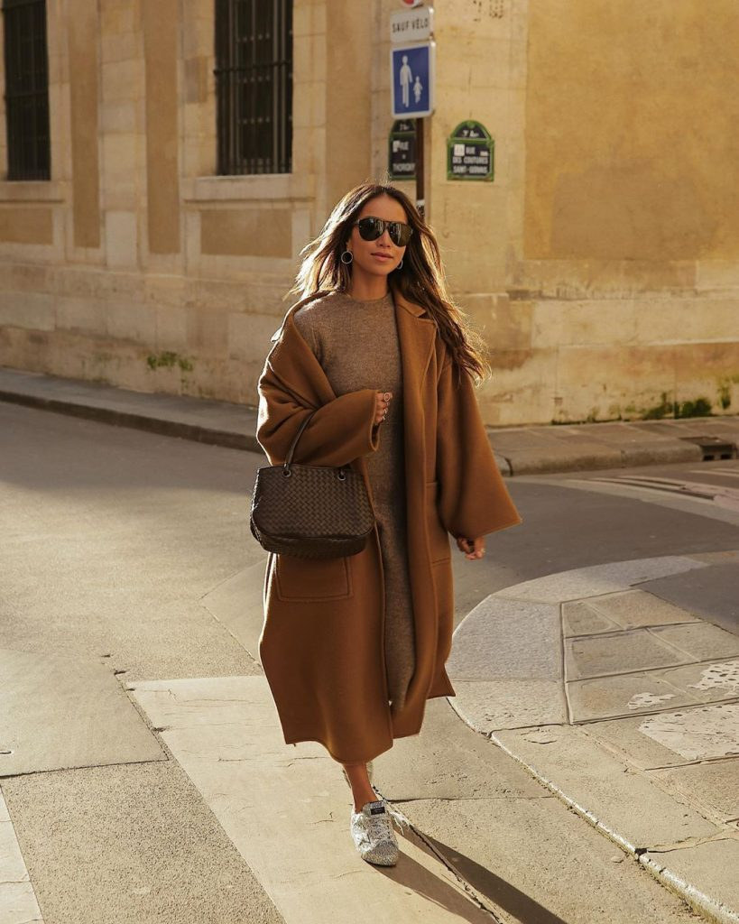Trench-coat-outfit-idea-for-winter-by-julie-sarinana