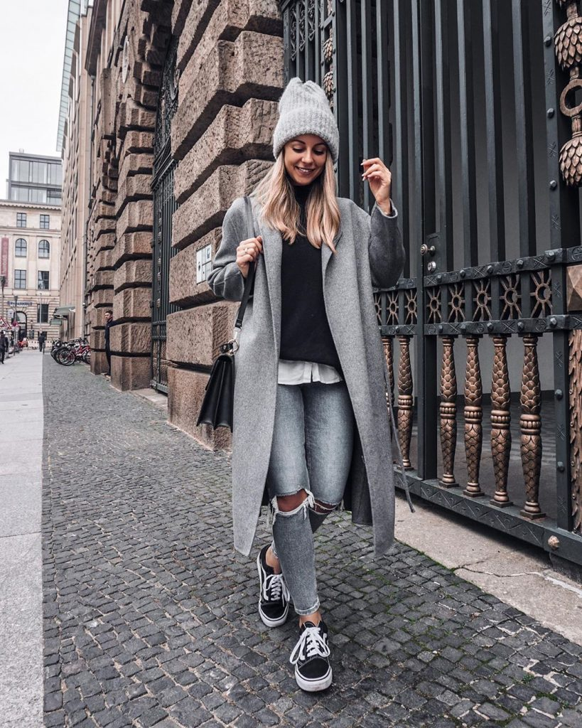 Trench-coat-street-syle-winter-2020-by-about-desiree