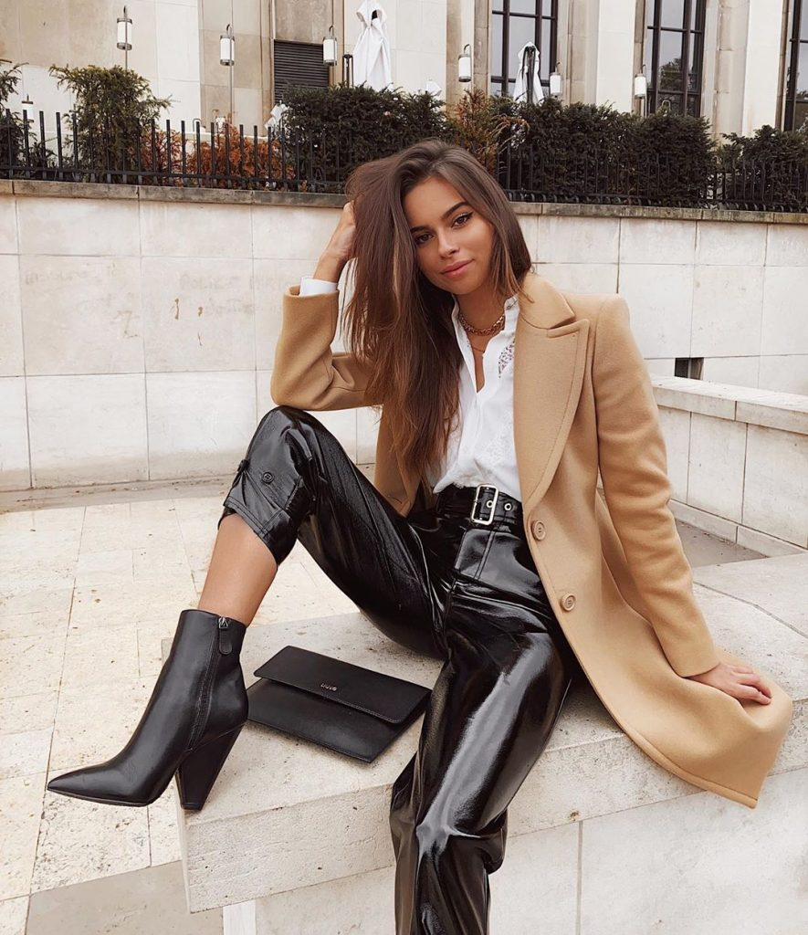 Trench-coat-winter-outfits-2020-worn-by-jodielapetitefrenchi