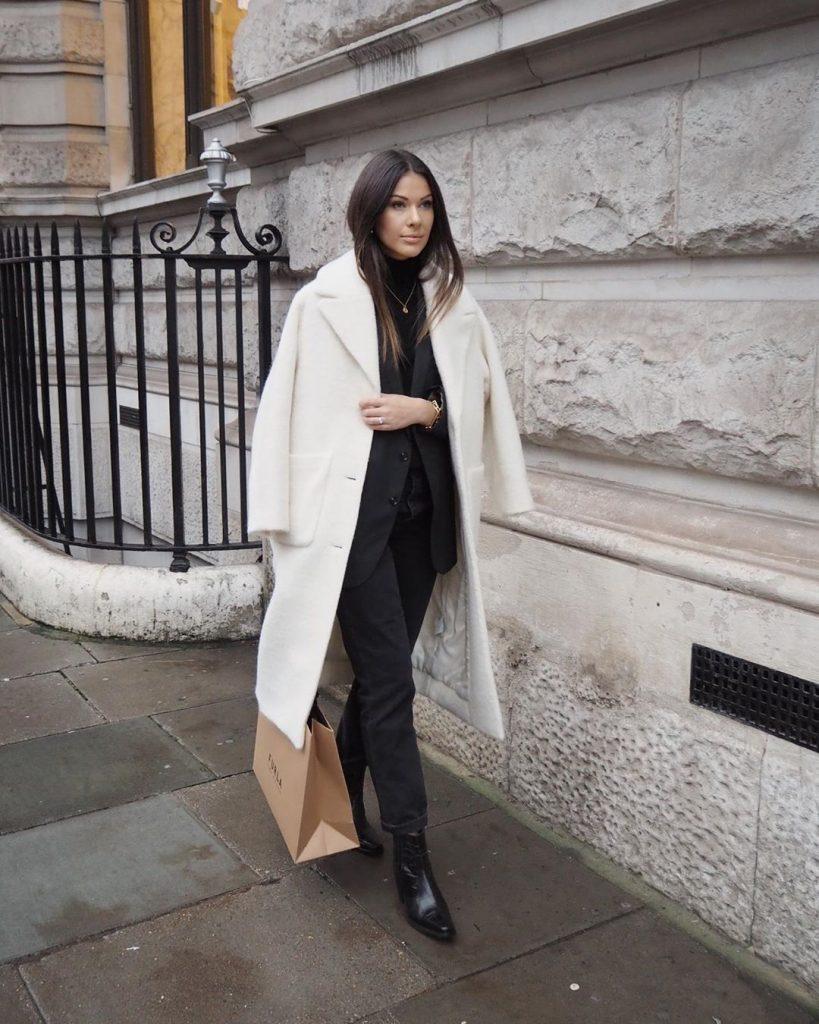 Trench-coat-winter-style-by-julia-lundin