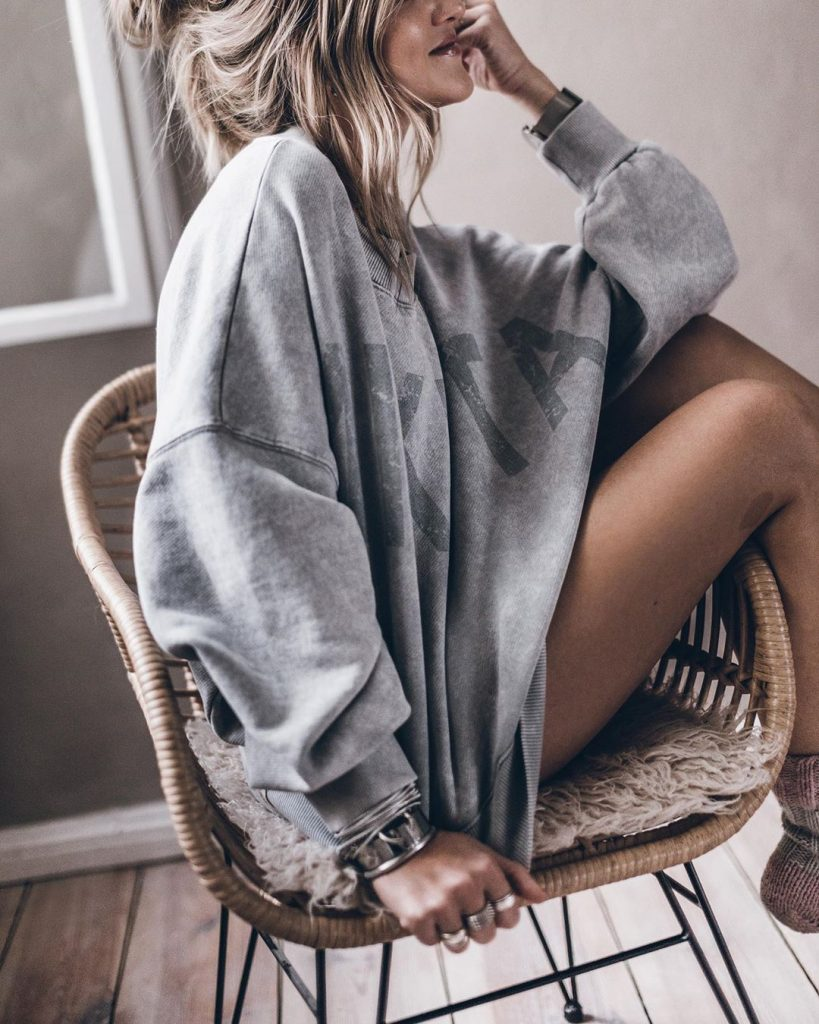 wear-oversized-sweater