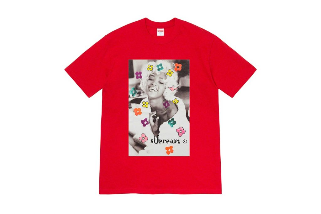 Complete-look-supreme-ss-2020-Naomi-campbell-tee